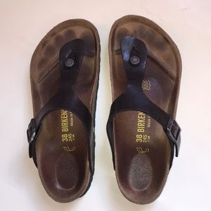 Birkenstock Gizeh Oiled Leather woman's sandal.
